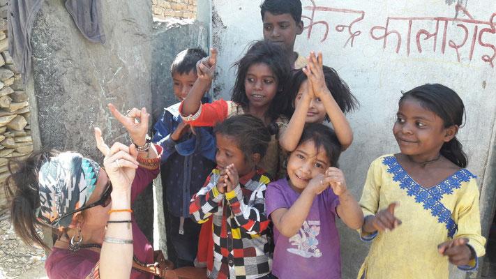 Une action matériel scolaire en Inde